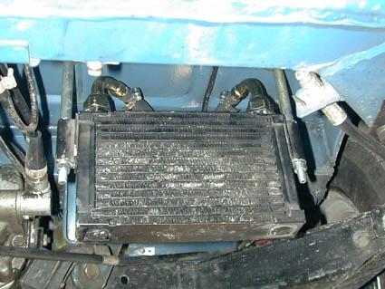Da hängt er, der Kühler aus einem Fiat Regata Diesel.